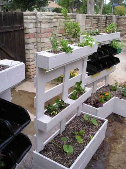 Ideias para o jardim com paletes 38