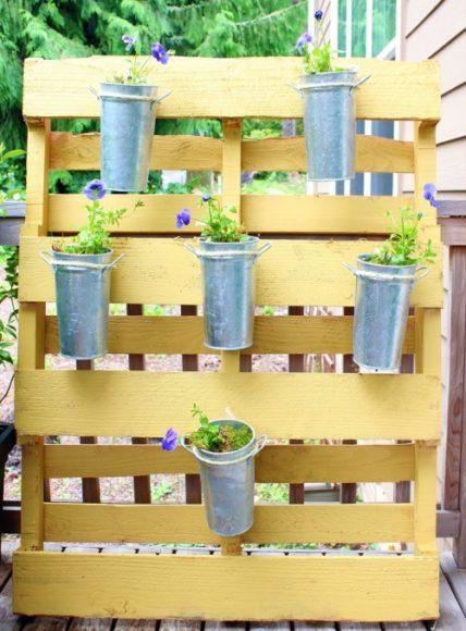 Ideias para o jardim com paletes 9