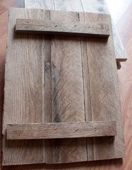 Moldura-com-paletes-de-madeira-2