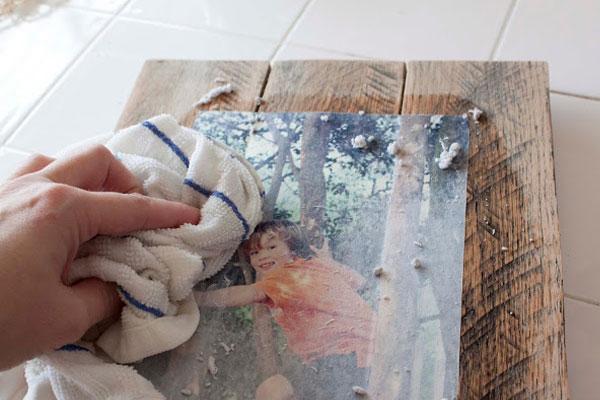 Moldura-com-paletes-de-madeira-9