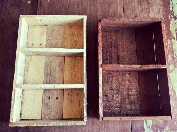 Prateleira de temperos rustica com paletes de madeira 2