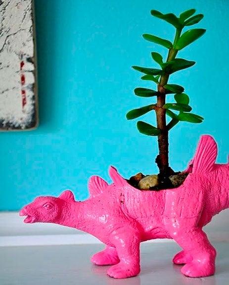 brinquedos-reciclados-na-decoracao-2