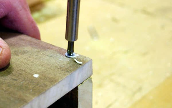 mesa-com-paletes-de-madeira-4