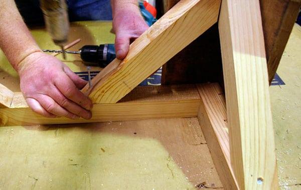 mesa-com-paletes-de-madeira-7