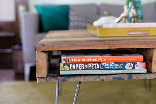 mesa-de-centro-com-paletes-de-madeira-5