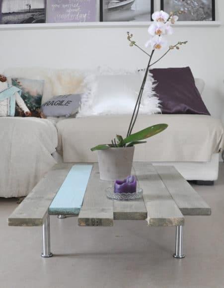 mesa de centro com paletes de madeira