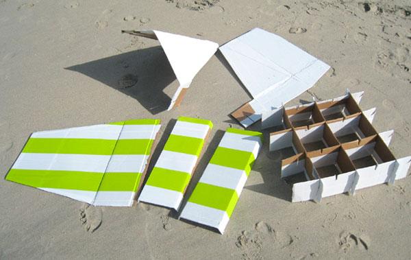 mesa-e-cadeira-caixa-papelao-11