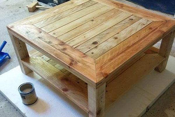 mesas-com-paletes-de-madeira-2