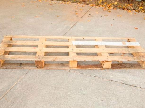 sofa-de-palete-de-madeira-1
