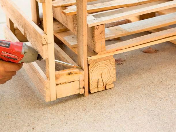 sofa-de-palete-de-madeira-4