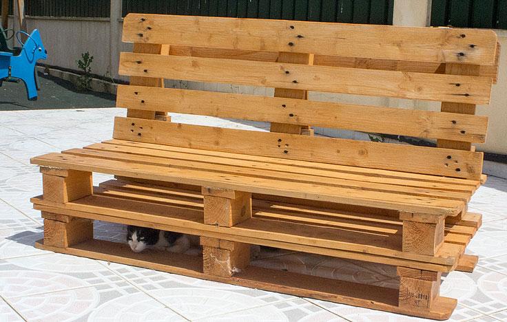 Artesanal Jardim Goias ~ Como fixar o encosto de um Sofá de Paletes de Madeira