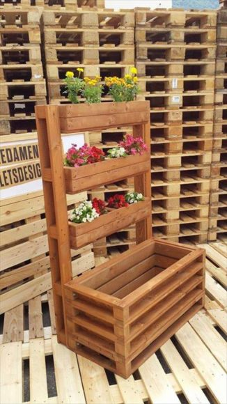 multi-tiered-pallet-planter