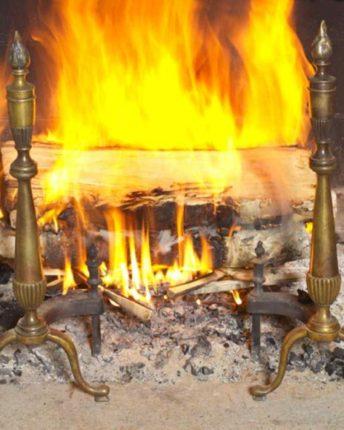 como-fazer-fogo-na-lareira-004