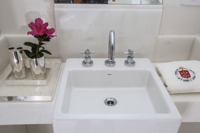 Decoração de banheiros pequenos dicas para você se inspirar -> Banheiro Decorado Flor