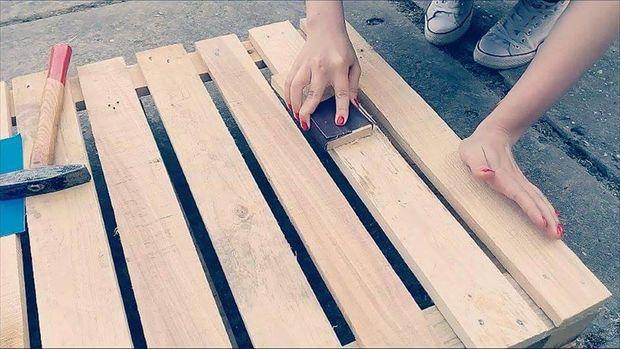 como fazer mesa de palete